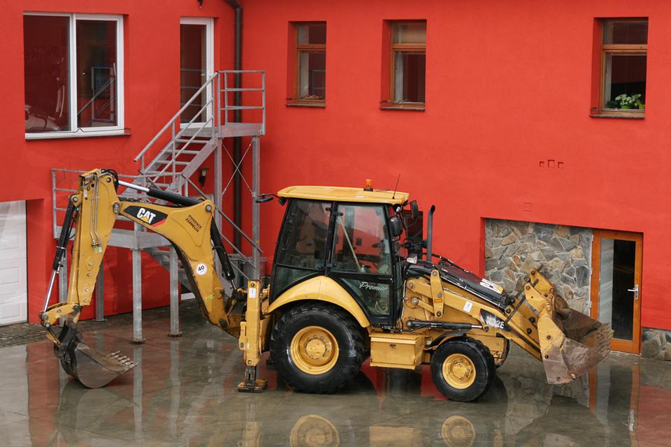 CAT-428D-–-traktor